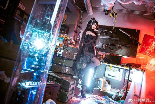 Lại một bộ cosplay Taihou khiến game thủ xao xuyến