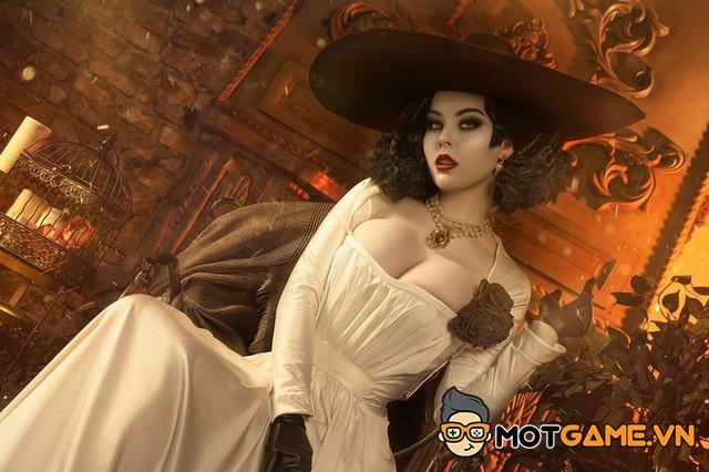 Những bộ cosplay Dimitrescu đẹp nhất