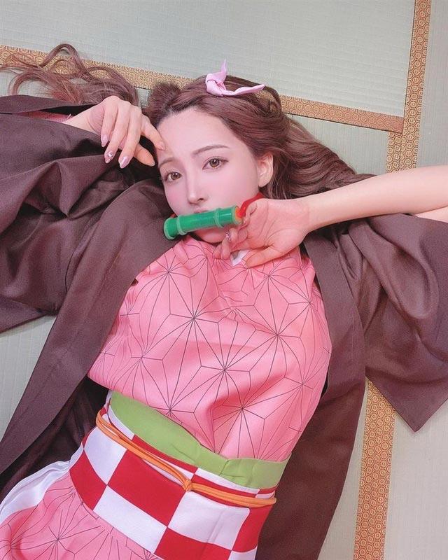 Eimi Fukada và Yua Mikami cosplay Nezuko, ai đẹp hơn?